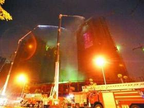 郑州在建24层高楼起火 曾接到消防安全整改通知