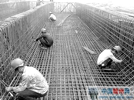 工程进度:本月完成钢结构加工