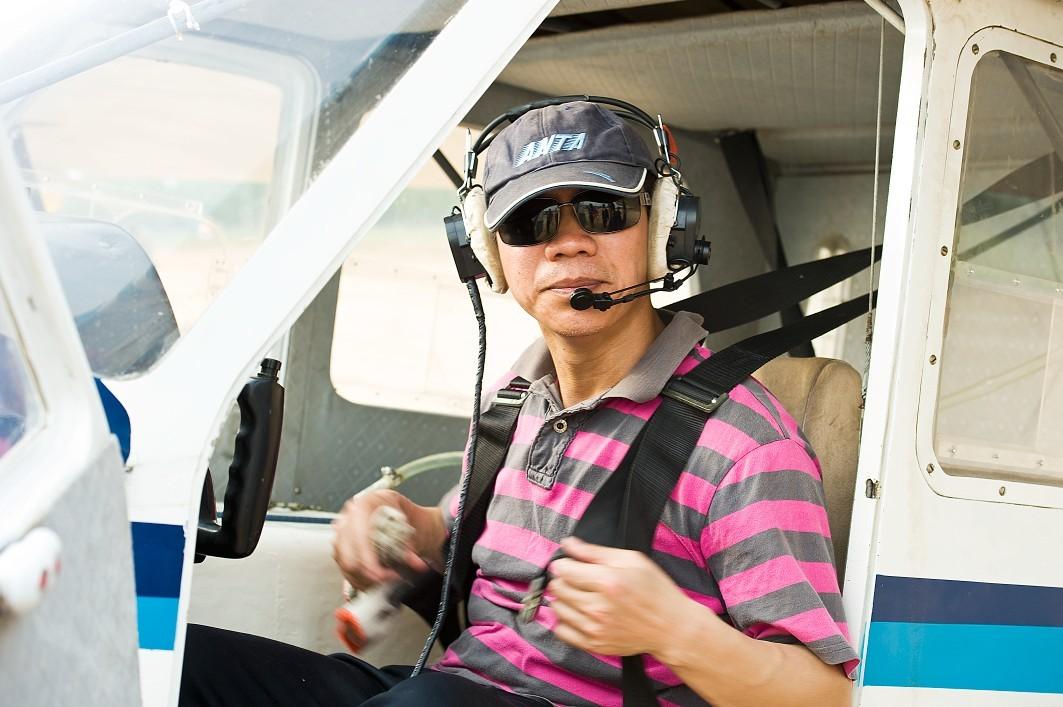 鄄城建临时飞机场使用飞机防治美国白蛾