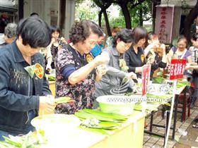 江西发布端午节餐饮消费安全预警公告 买粽看QS就餐查添加剂