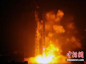 我国在暴雨雷电中发射第九颗北斗导航卫星