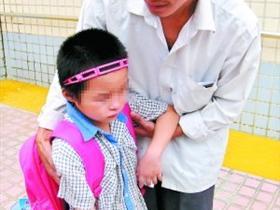 5名女子带领亲生儿女乞讨被拘 自称因家中贫困