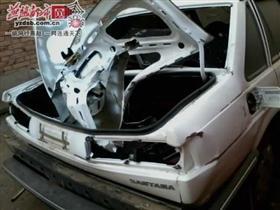 献县一农家新轿车被炸变形
