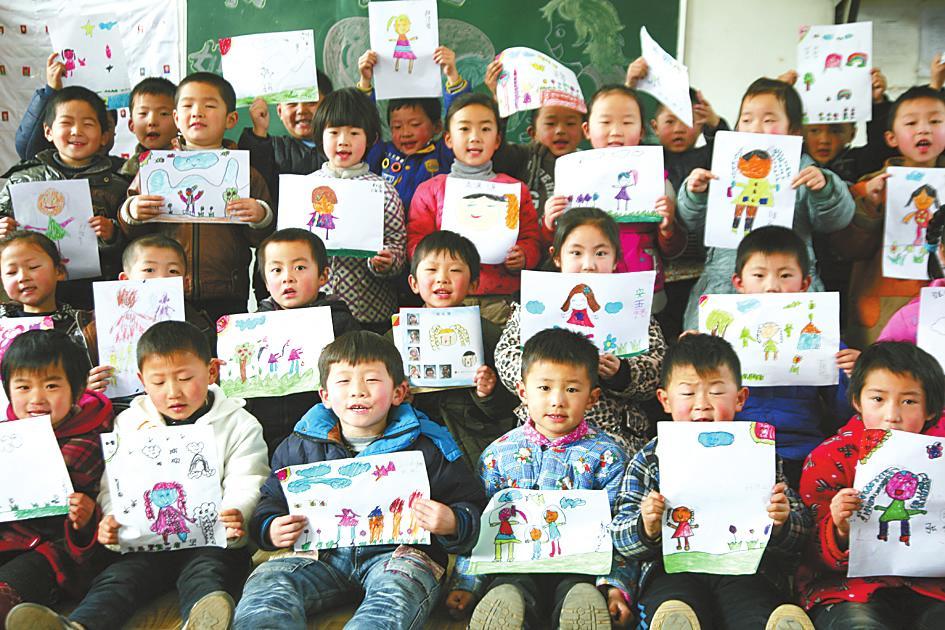 """濮阳清丰县实验幼儿园举办""""我心目中的妈妈""""绘画比赛"""