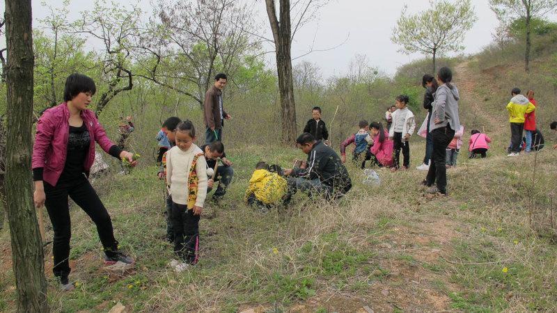 县直幼儿园春游石头村