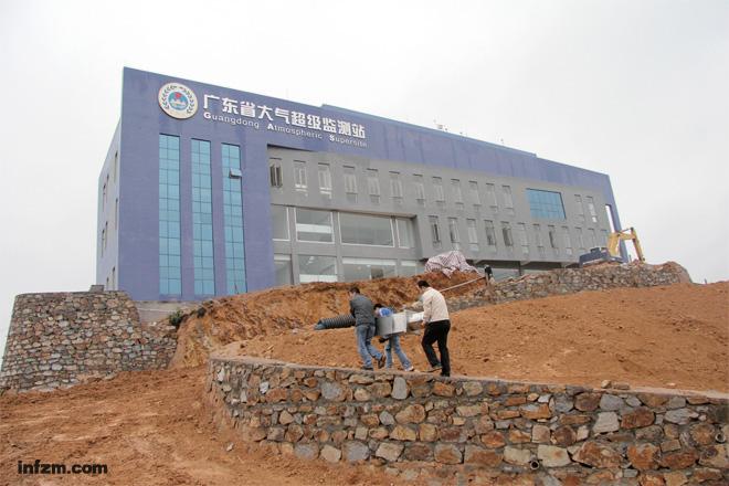 广东省鹤山市桃源镇的村民颇为好奇.2011年5月以来,这里一直在施工.