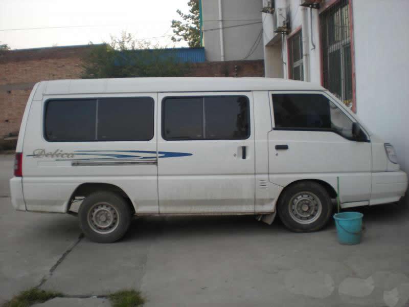 东南_面包车