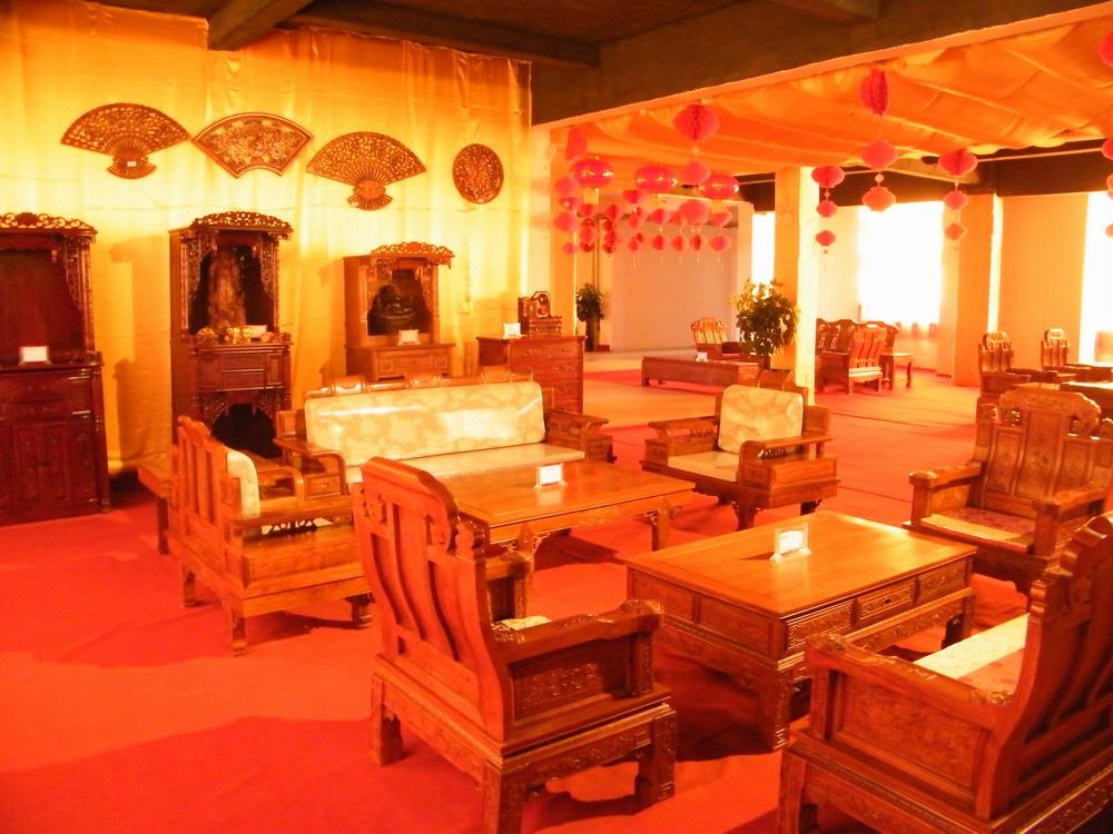 莱西万年红红木艺术馆