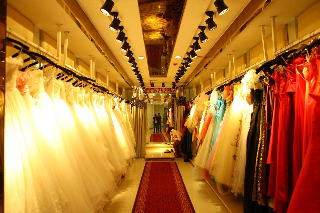 婚纱店面装修效果图,婚纱礼服店面简单装修,婚纱摄影店面装修图