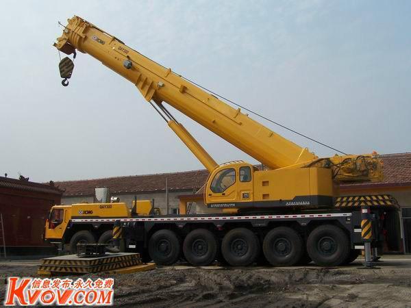 中国最大塔吊240吨图片