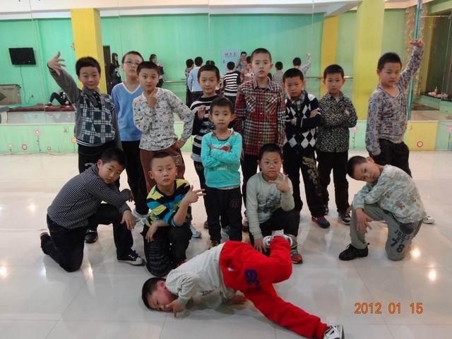 儿童街舞_网上逛街_宾县在线