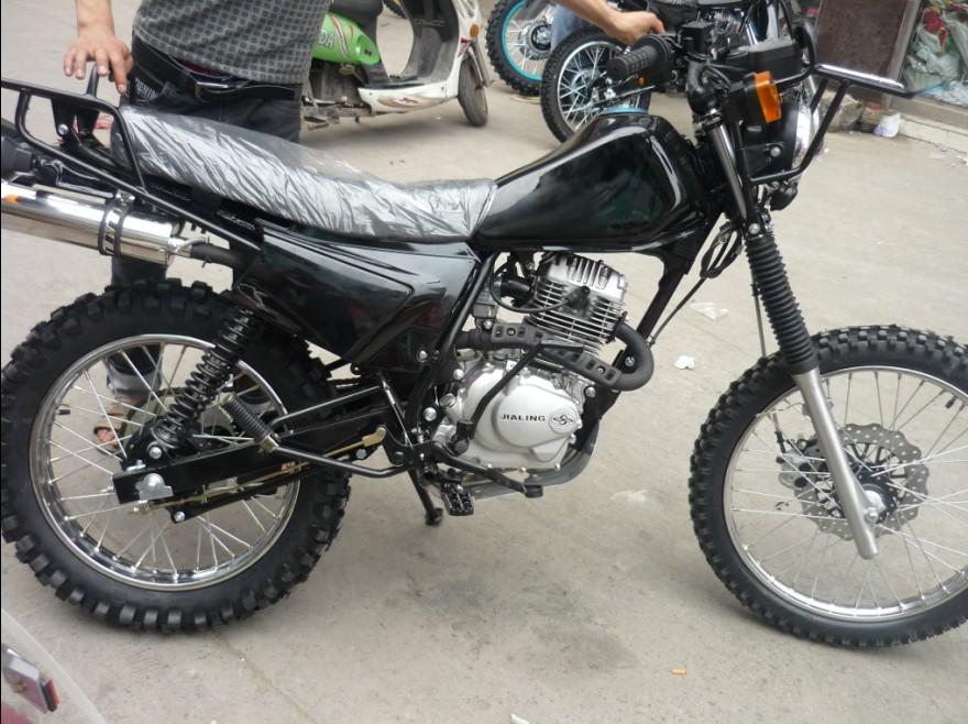 出售嘉陵大白菜越野摩托车150发动机