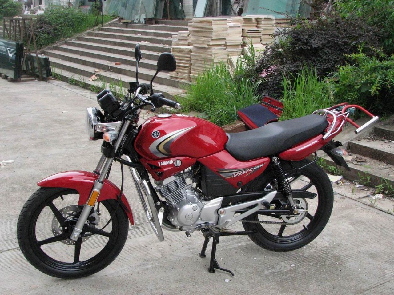 雅马哈迅鹰蓝色_雅马哈125摩托车图片_雅马哈125摩托车图片设计