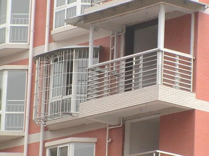 专业制作:安装铝合金、塑钢门窗、不锈钢护栏、雨棚、彩钢棚玻璃等
