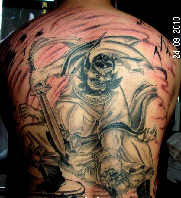纹身图案 黑白半甲龙纹身图案大全 > 鄄城顺发纹身           鄄城